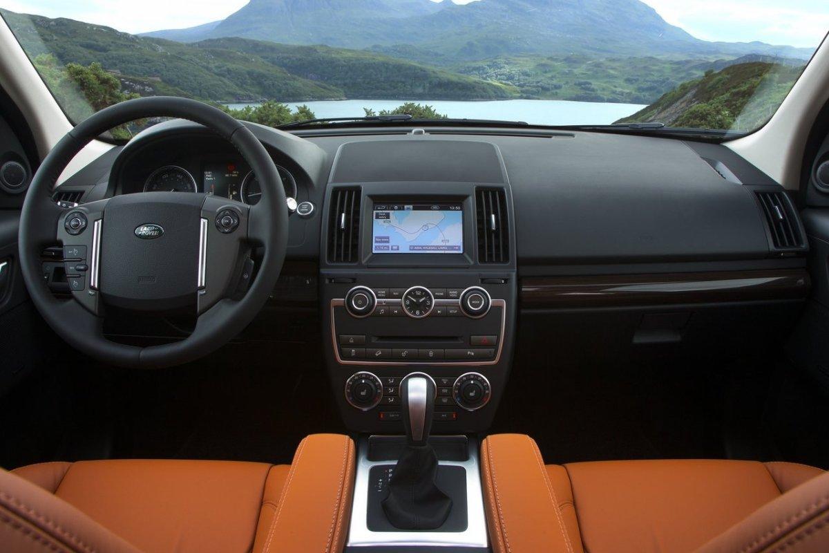 Land Rover Freelander II: интерьер