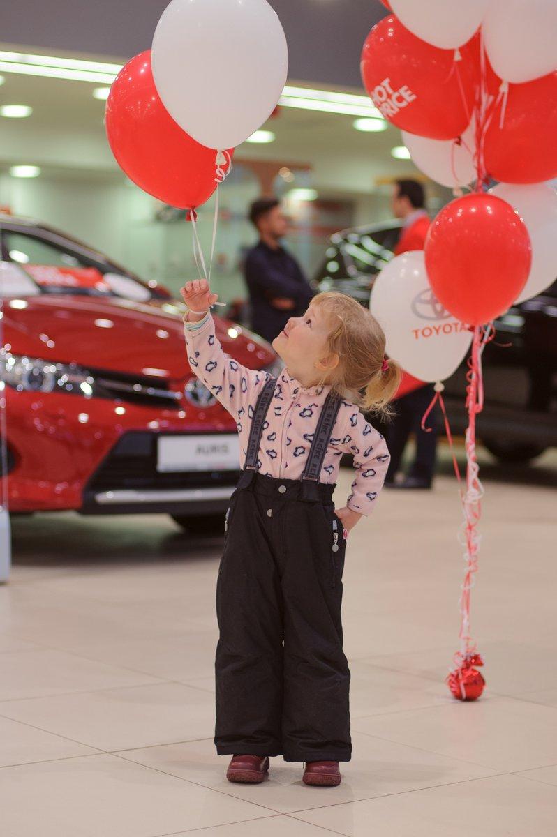 Дилеры Toyota подогрели цены