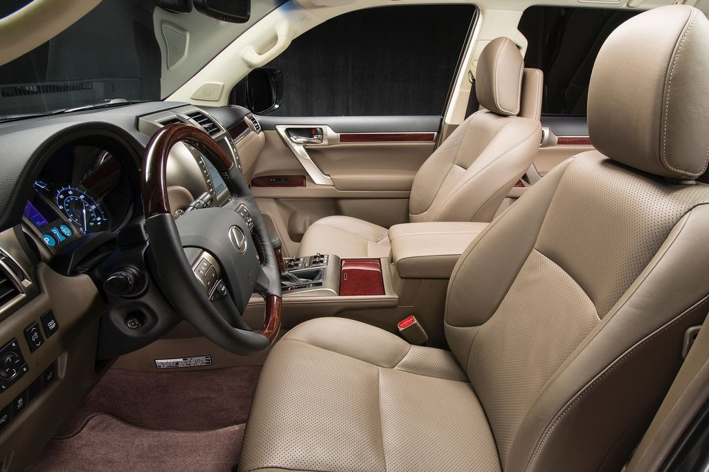 Интерьер Lexus GX460