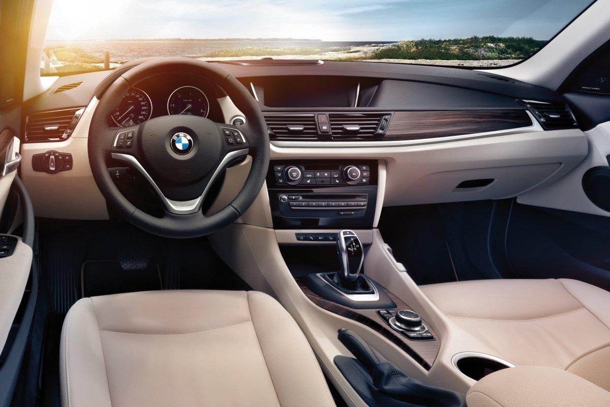 BMW X1: интерьер