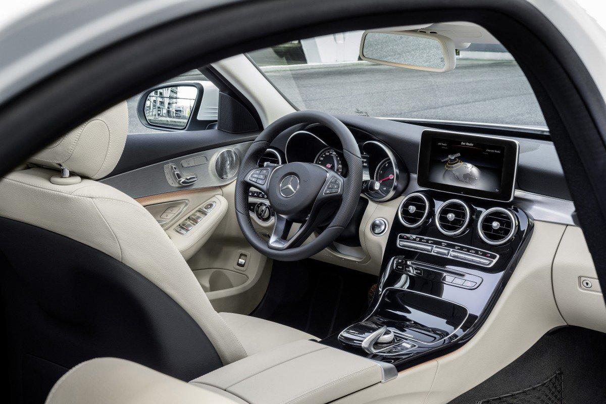 Mercedes-Benz C-class: интерьер