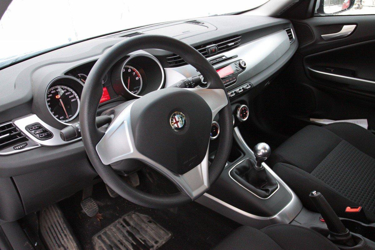Интерьер Alfa Romeo Giulietta
