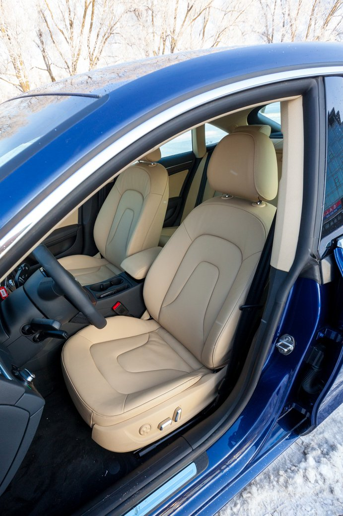 Передние кресла Audi A5 Sportback