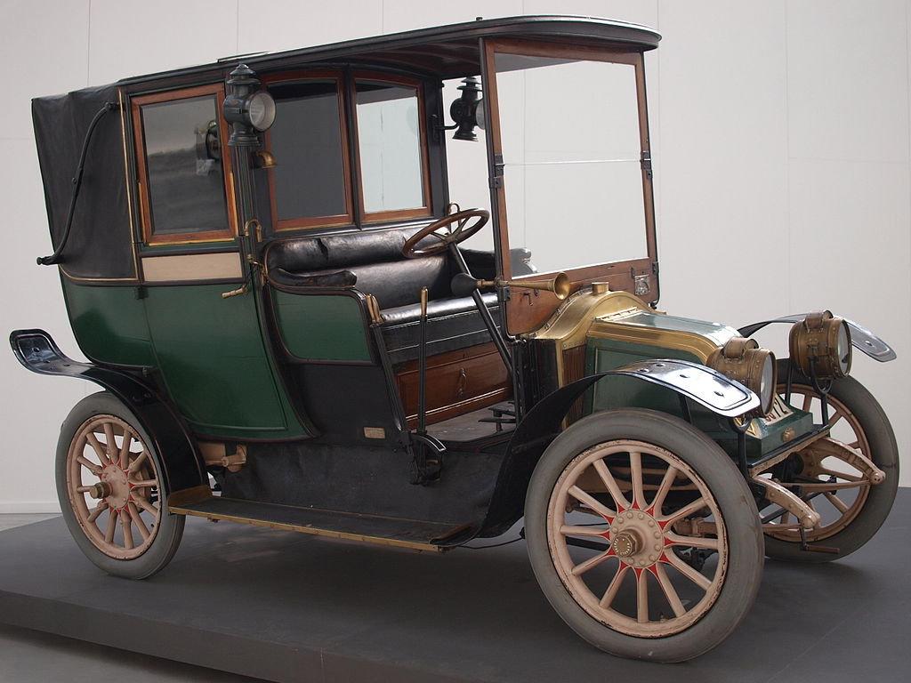Renault AG Fiacre Paris: один из первых автомобилей с ацетиленовыми фарами