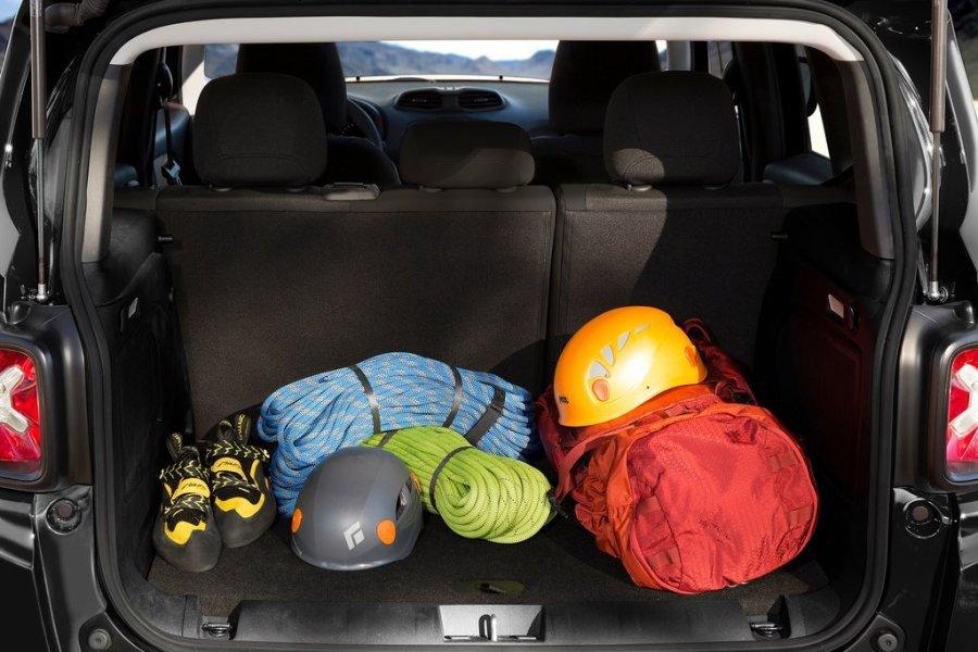 Jeep Renegade: багажник