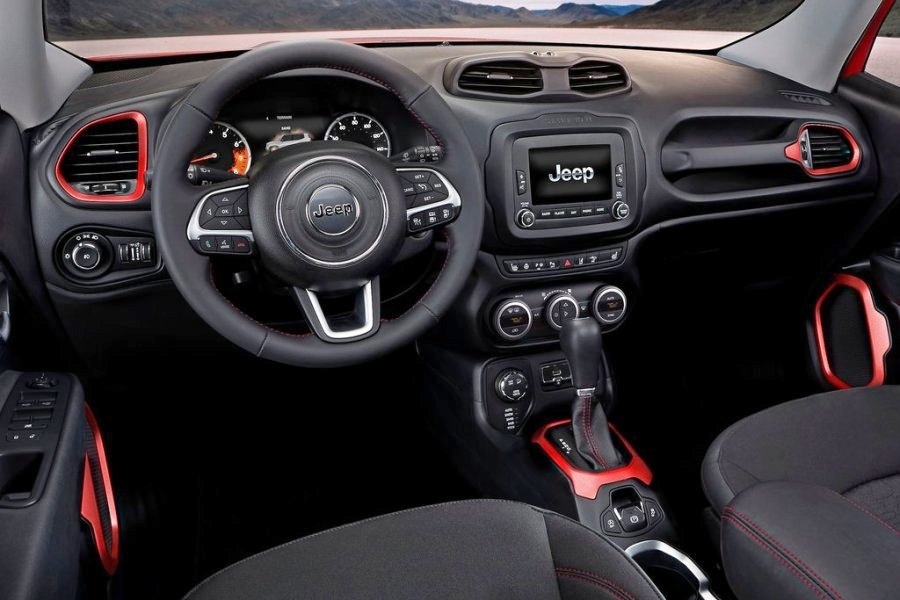 Jeep Renegade: салон