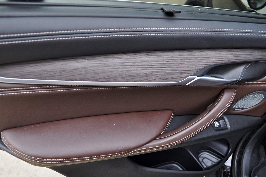 BMW X5 xDrive 30d: салон