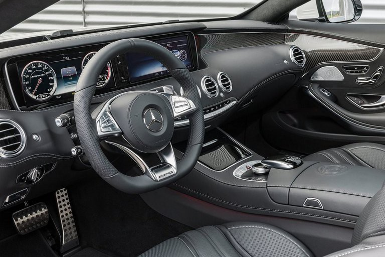 Mercedes-Benz S63 AMG Coupe: салон