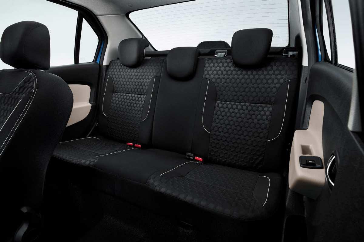 Новый Renault Logan: задние сиденья