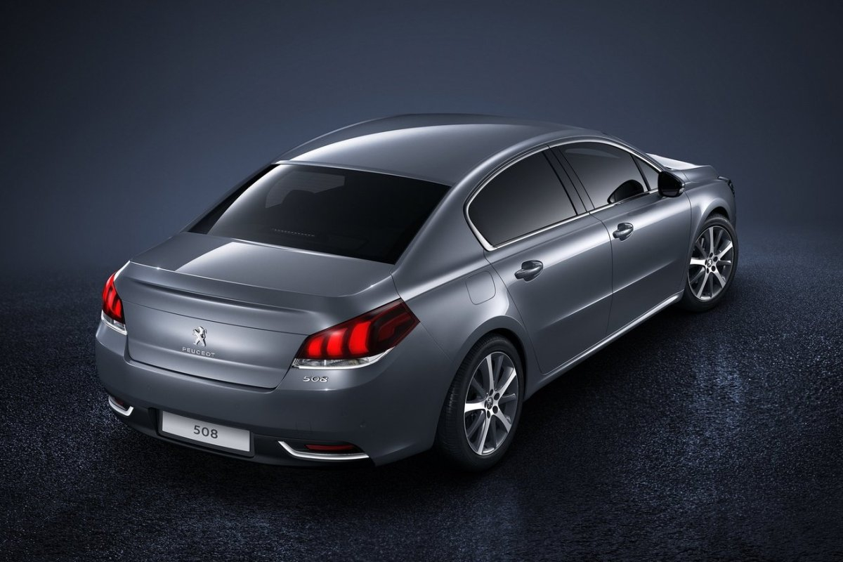 Peugeot-508_2015_03.jpg