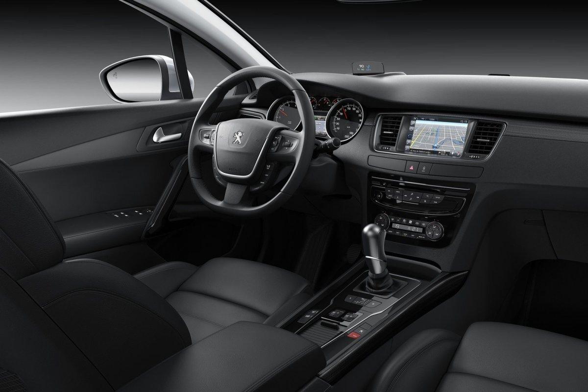 Peugeot-508_2015_07.jpg