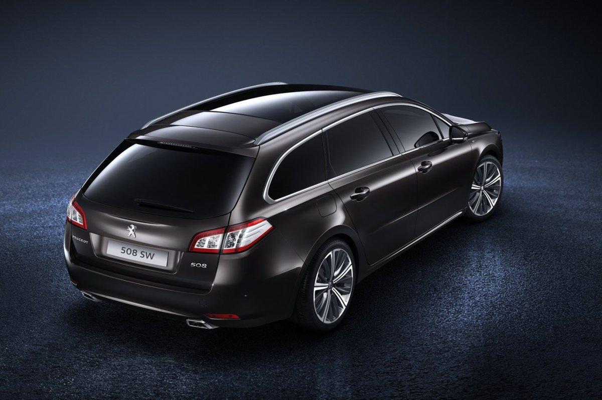 Peugeot-508_SW_2015_03.jpg