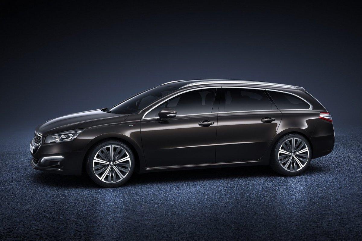 Peugeot-508_SW_2015_02.jpg