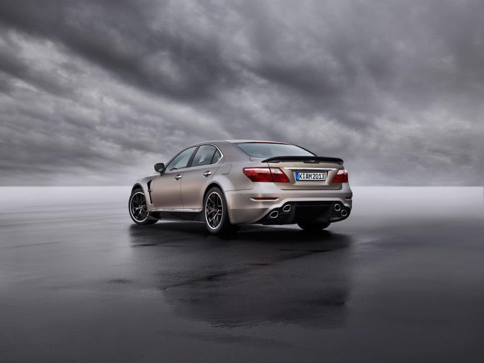 BMW M4-1.jpg
