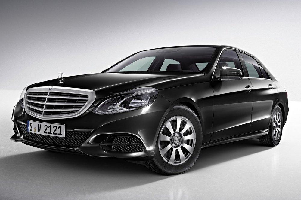 Mercedes-Benz-E-Class_2014_1600x1200_wallpaper_5c.jpg