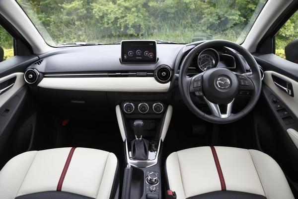 Mazda2_z2.jpg