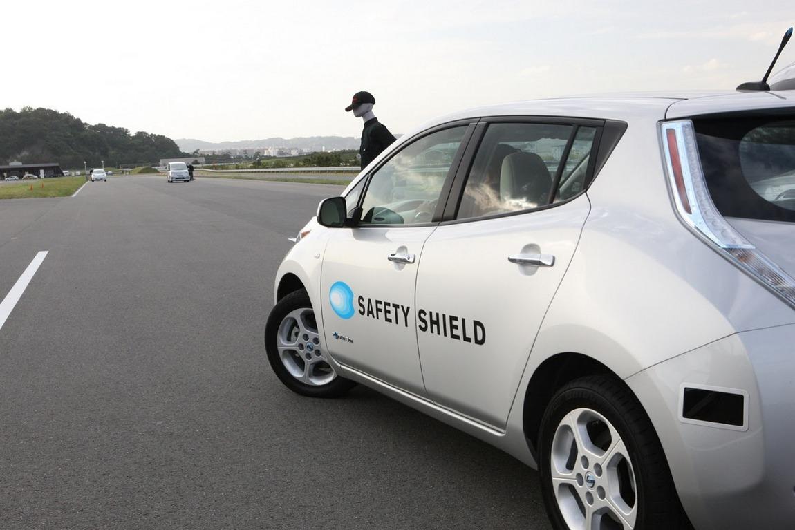 Nissan-Autonomous-Emergency-Steer-3[4].jpg