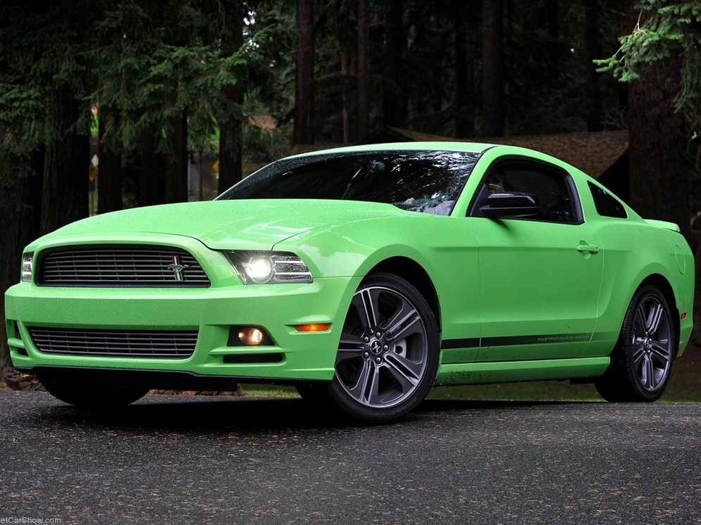 Ford-Mustang_2013_1024x768_wallpaper_02.jpg