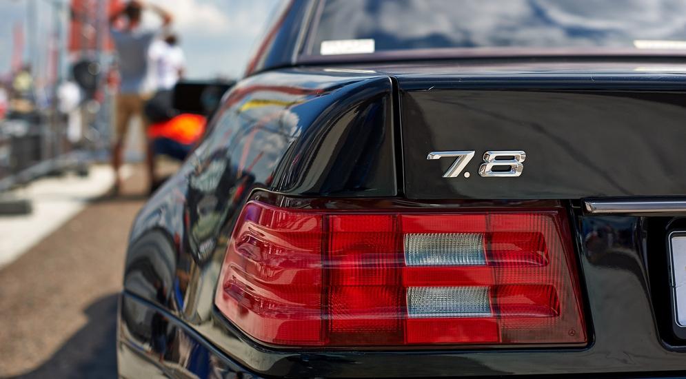 24_На самом деле под капотом прячется V12 объемом 7.3 литра.jpg