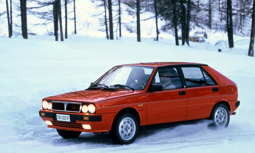 Lancia-Delta_HF_4WD_1986.jpg