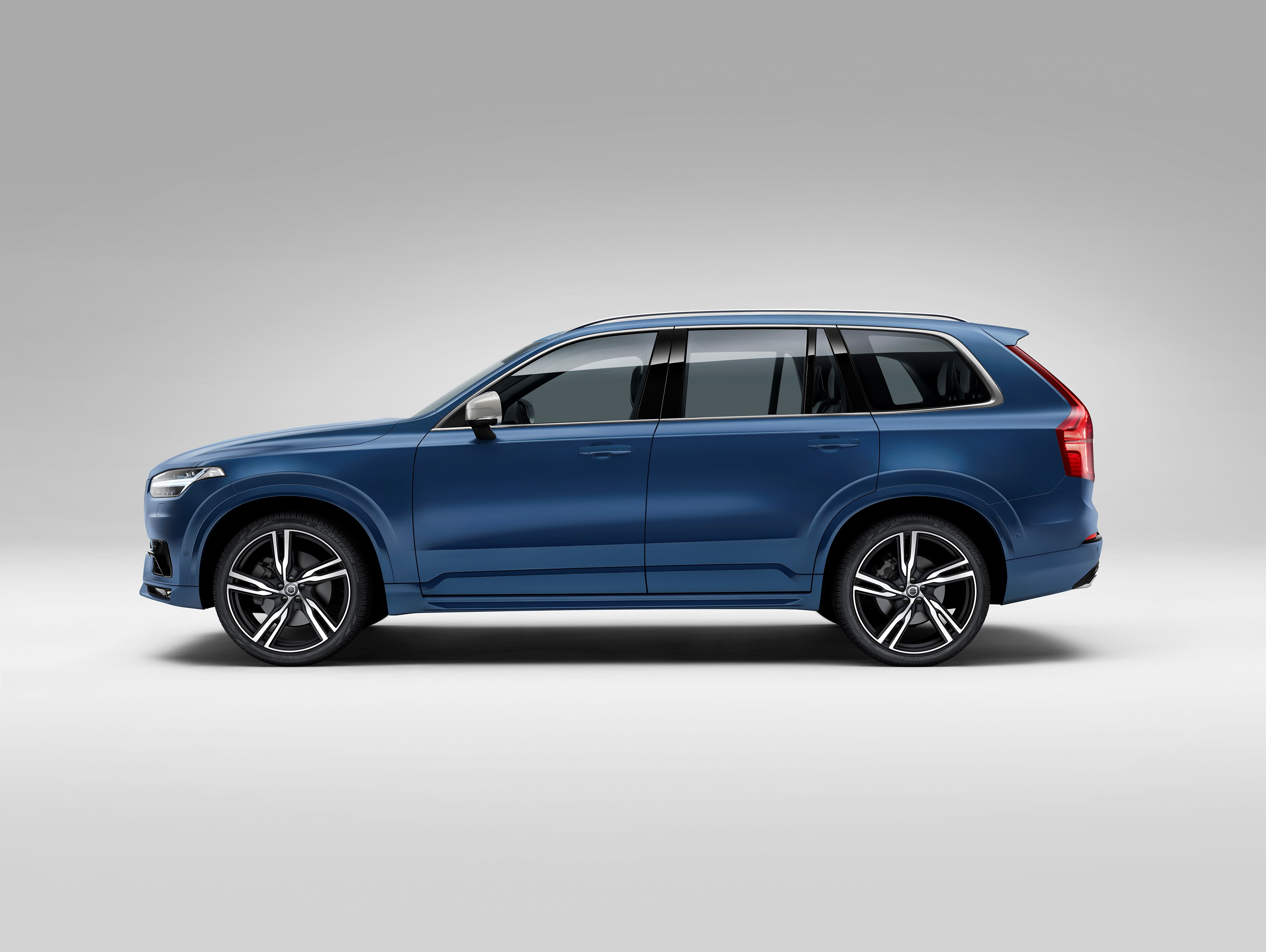 151950_The_all_new_Volvo_XC90_R_Design.jpg