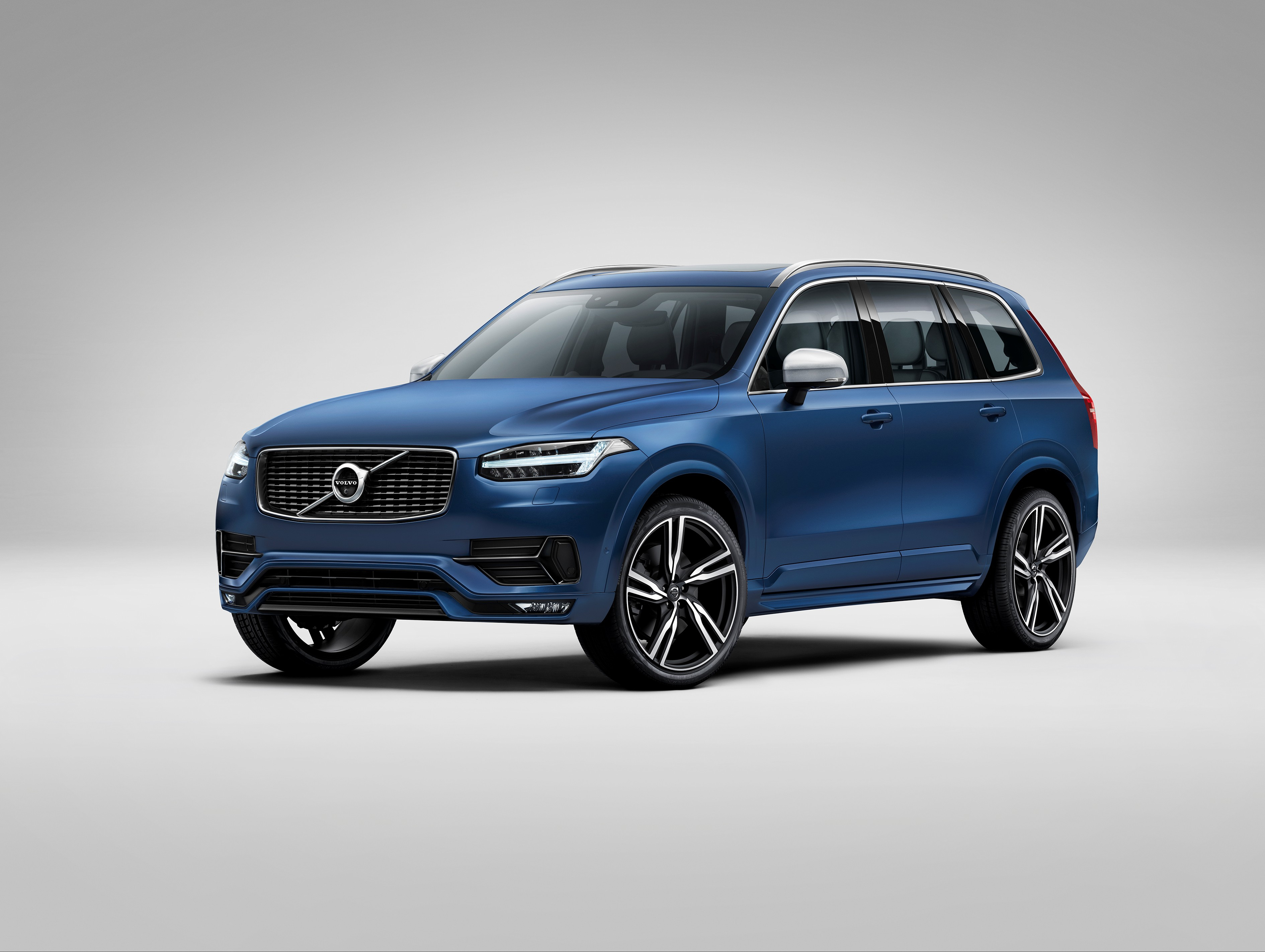 151946_The_all_new_Volvo_XC90_R_Design.jpg