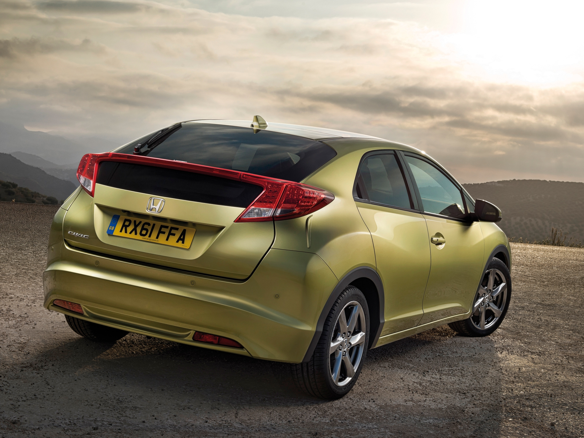 Honda представила обновленный Civic картинки