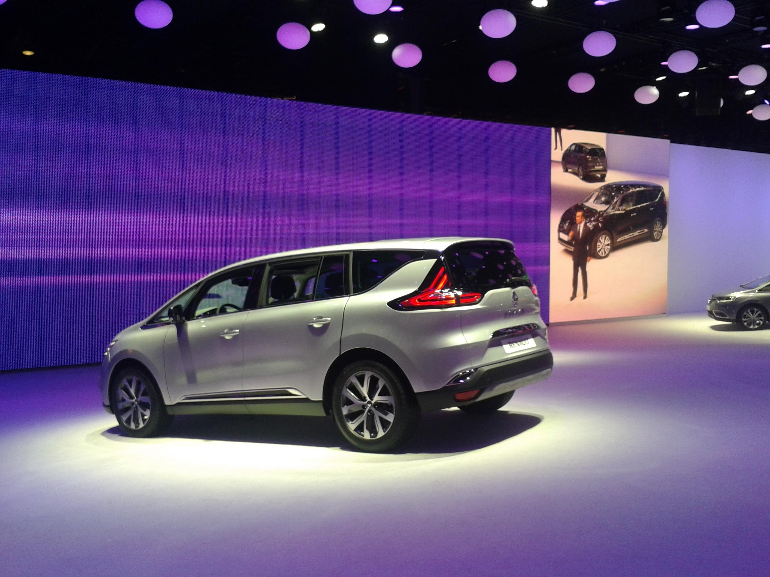 Renault Espace: минивэн с задатками кроссовера