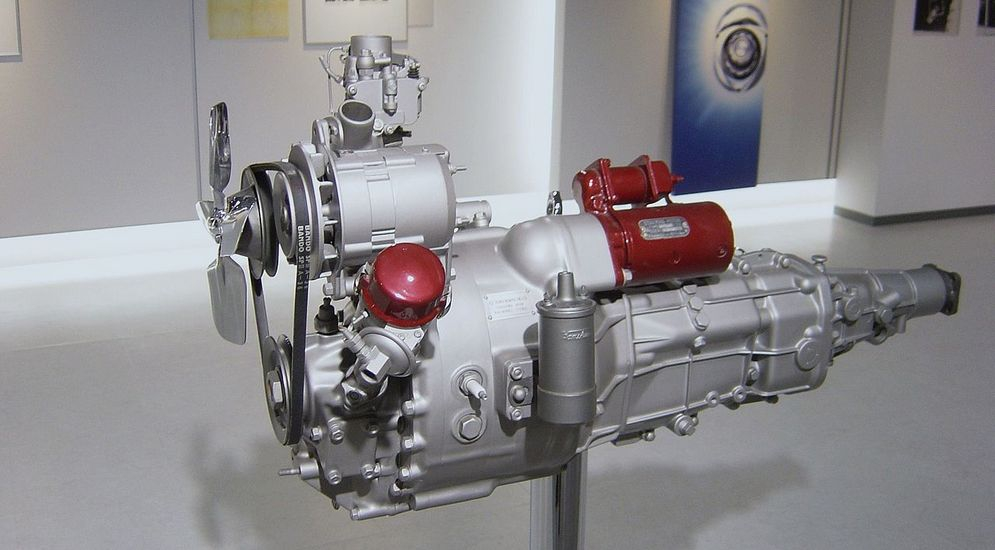 1280px-Mazda_rotary_engine_early.jpeg