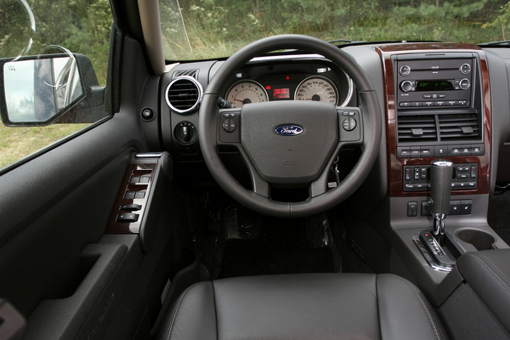 1theme_ford_explorer_3.jpg