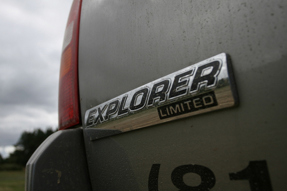 1theme_ford_explorer_4.jpg
