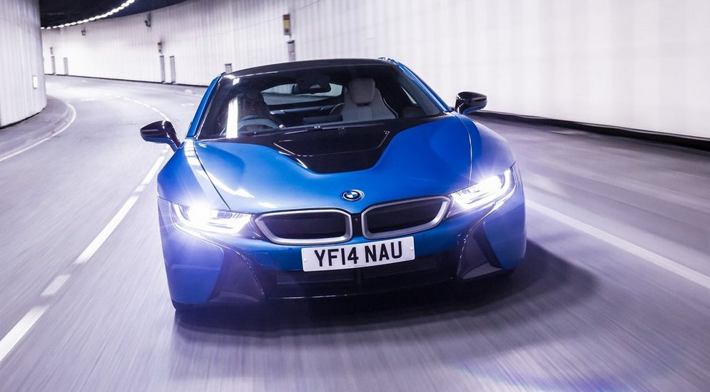 BMW-i8_2015_1024x768_wallpaper_75.jpg