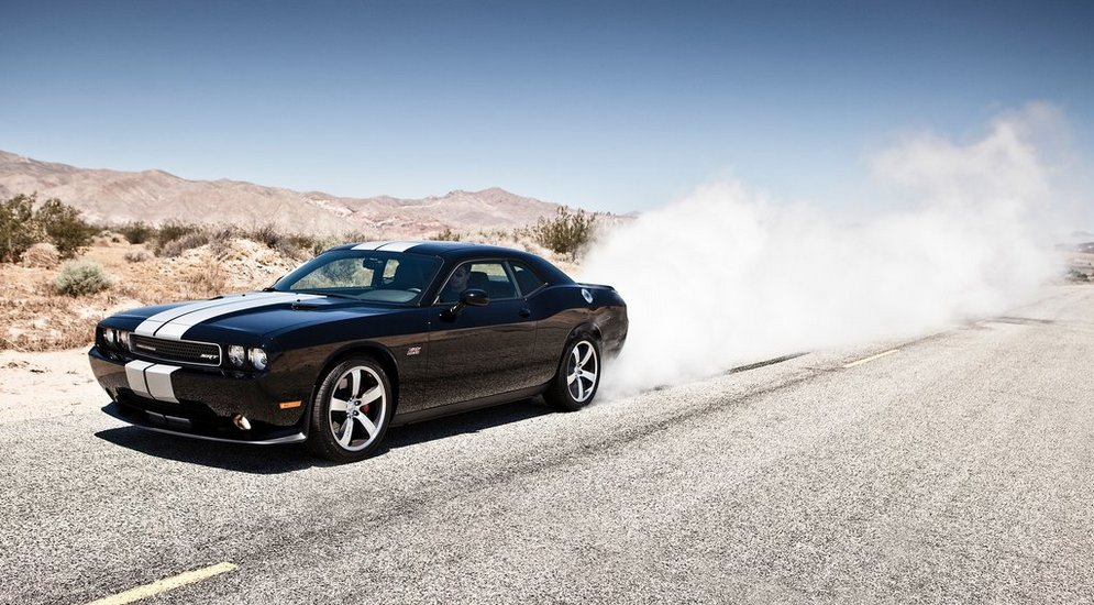 Dodge-Challenger_SRT8_392_2012_1024x768_wallpaper_0b.jpg