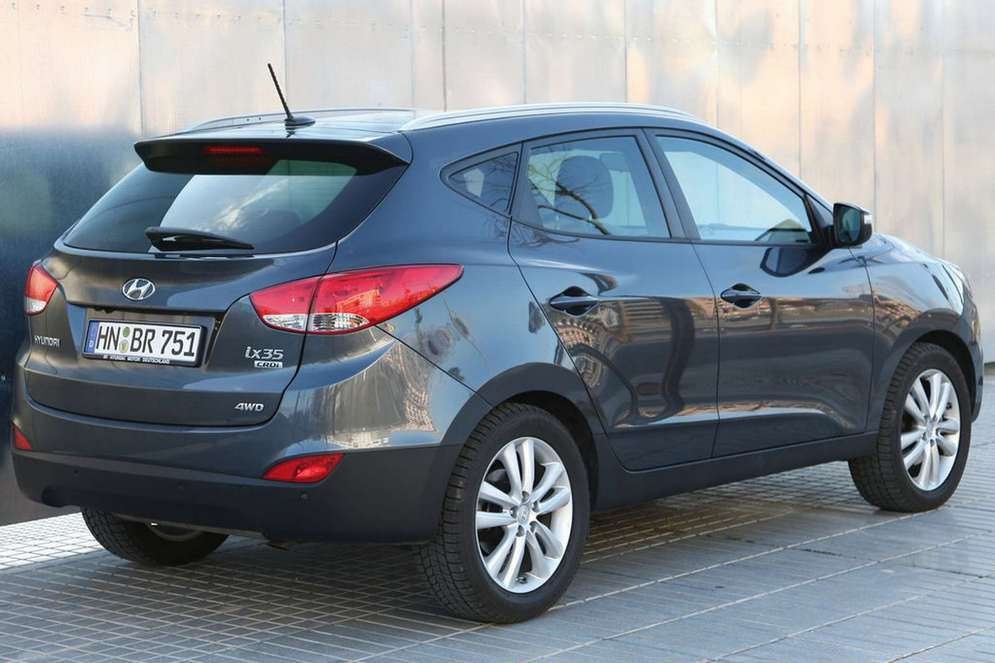 Hyundai-ix35-economy-fuel-engine-necoautos-com-car-news-review.jpg