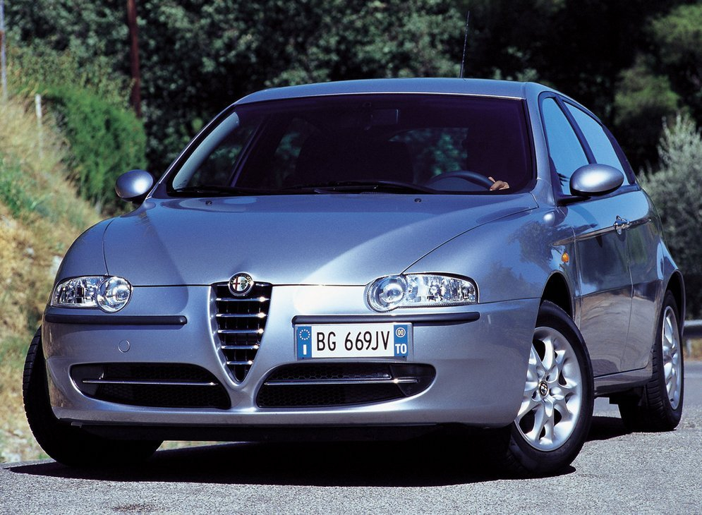 Alfa_Romeo-147_2000_1600x1200_wallpaper_02.jpg