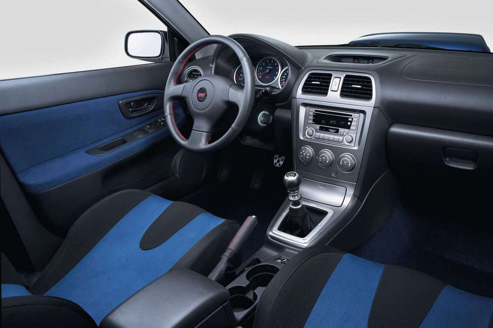 Subaru-Impreza_WRX_STi_2004_1600x1200_wallpaper_07.jpg