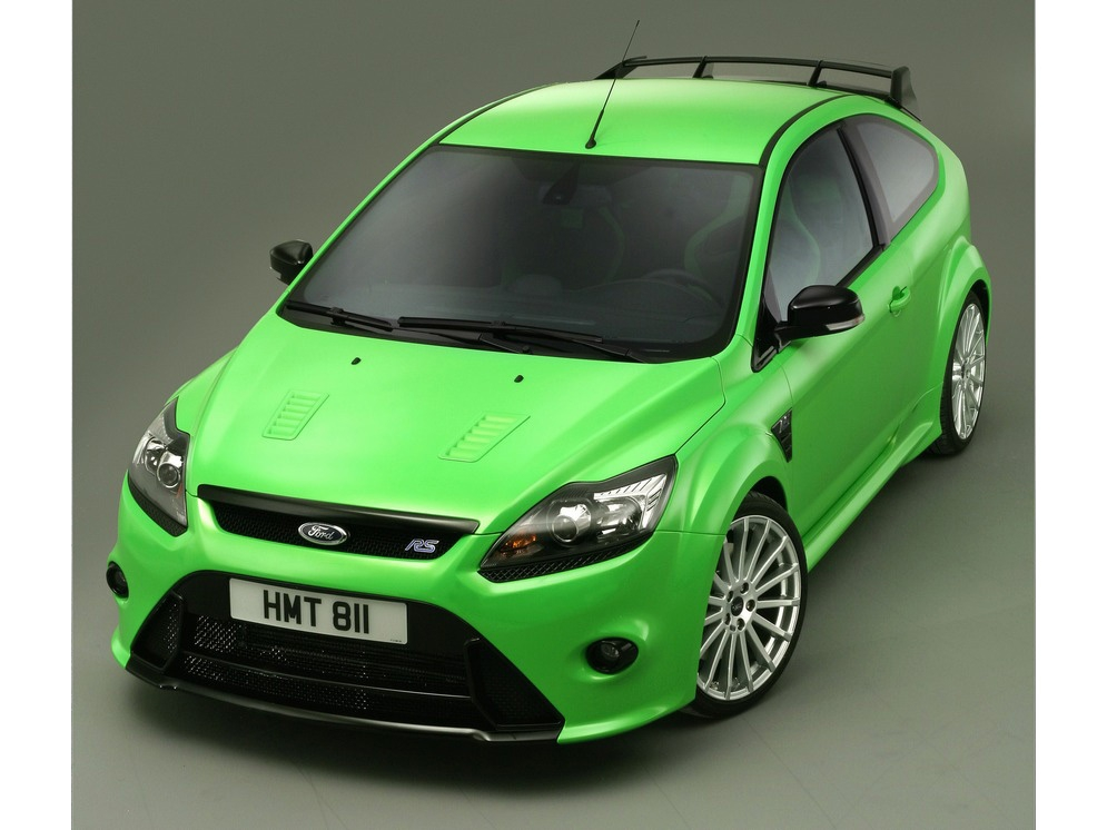 2009-Ford-Focus-RS-Front-Angle-Top-2-1920x1440.jpg