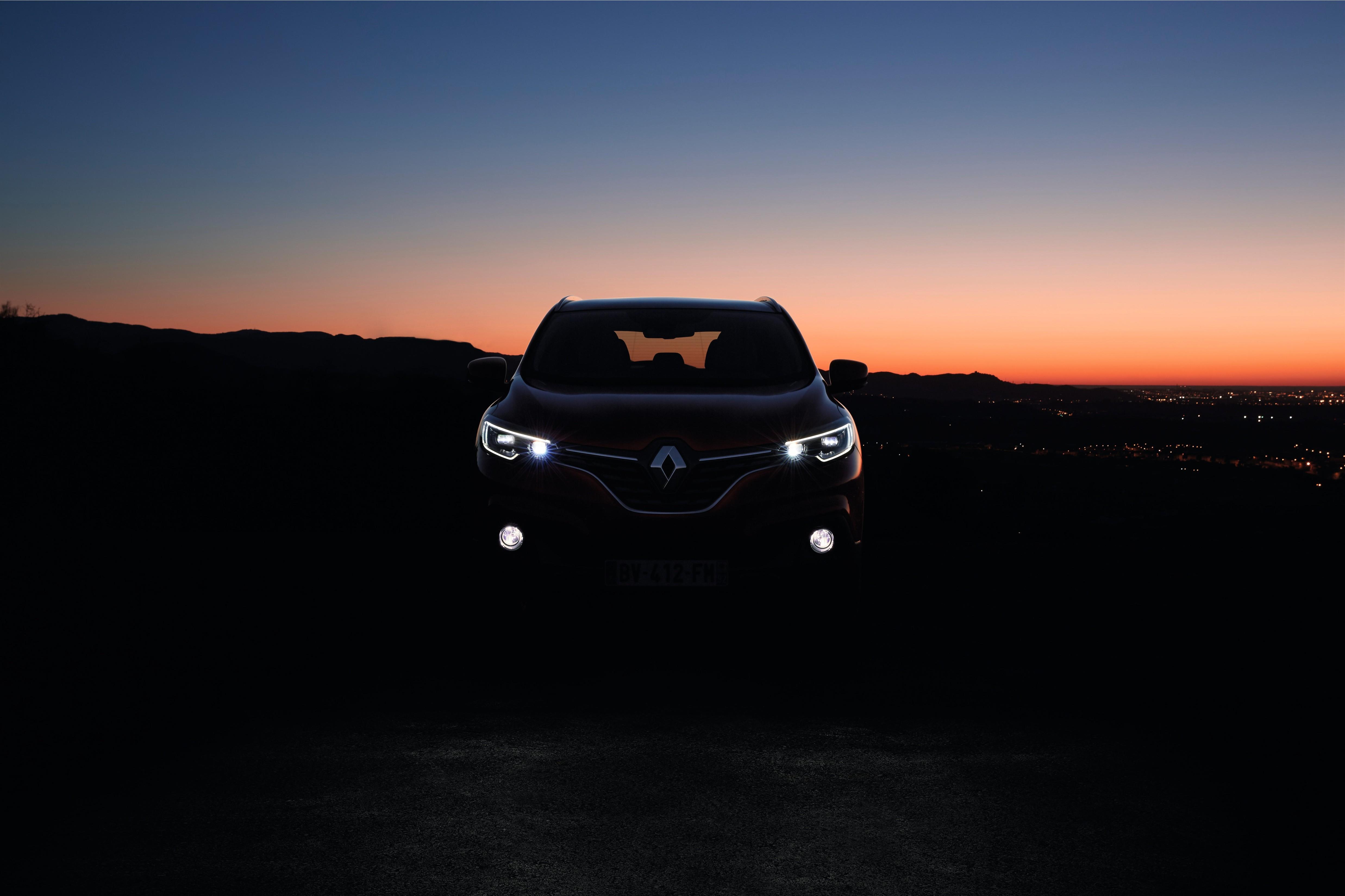 Renault_65508_global_en.jpg