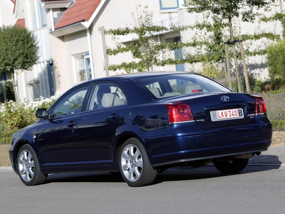 autowp.ru_toyota_avensis_sedan_12.jpg