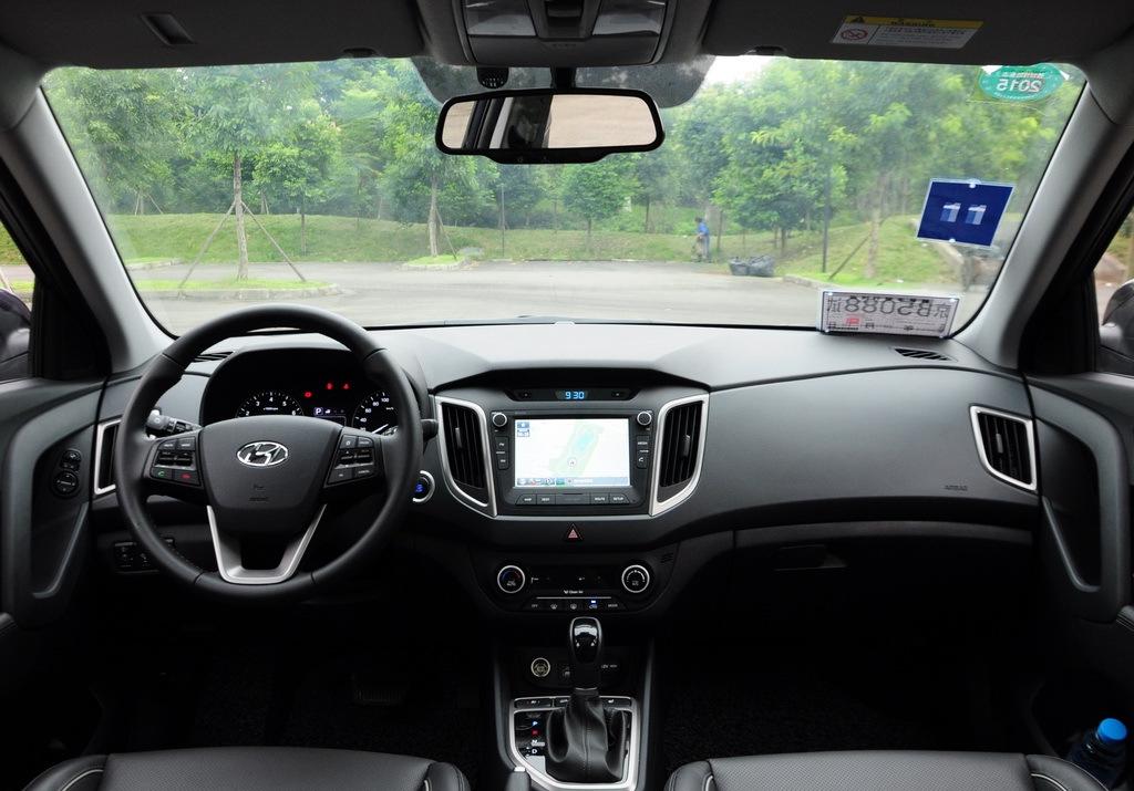 Production-Hyundai-ix25-images-dashboard (1).jpg