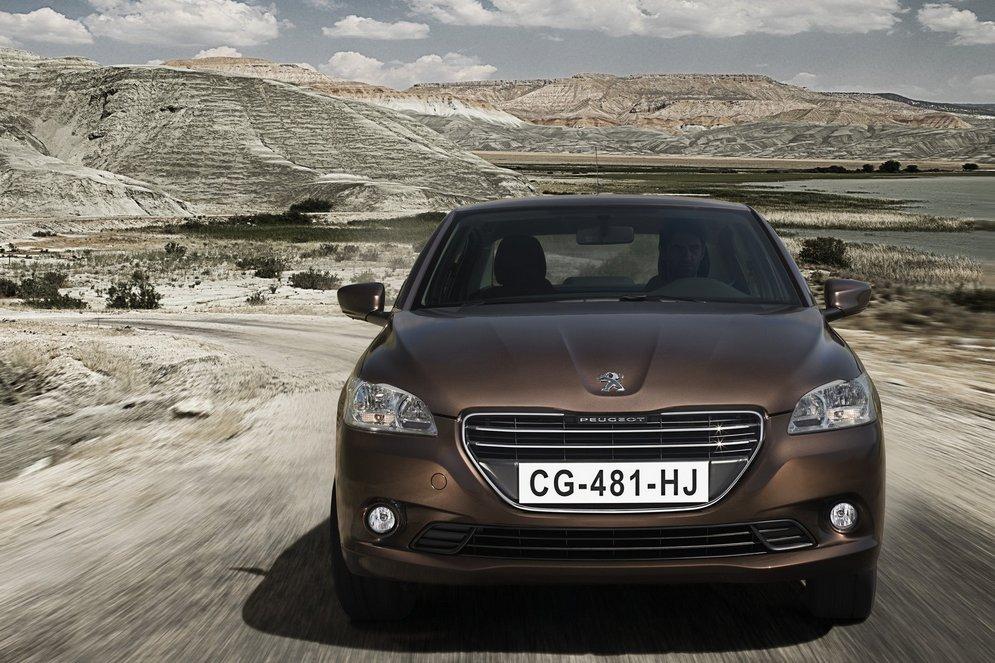 Peugeot-301_2013_1600x1200_wallpaper_18.jpg