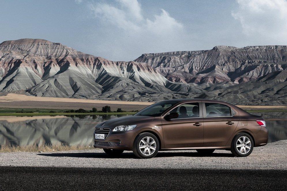 Peugeot-301_2013_1600x1200_wallpaper_09.jpg