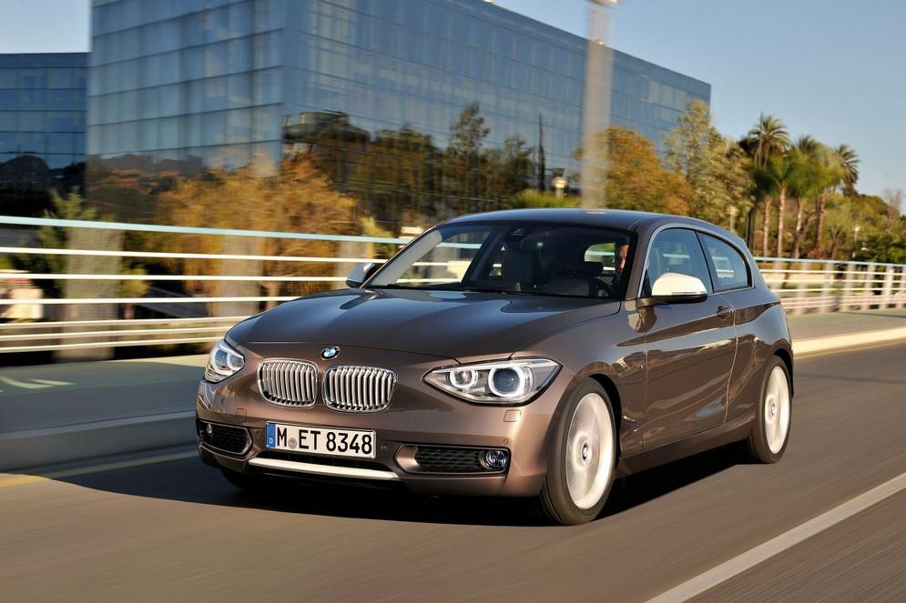 2012-BMW-125d-F20-3-door-20-900x1440.jpg