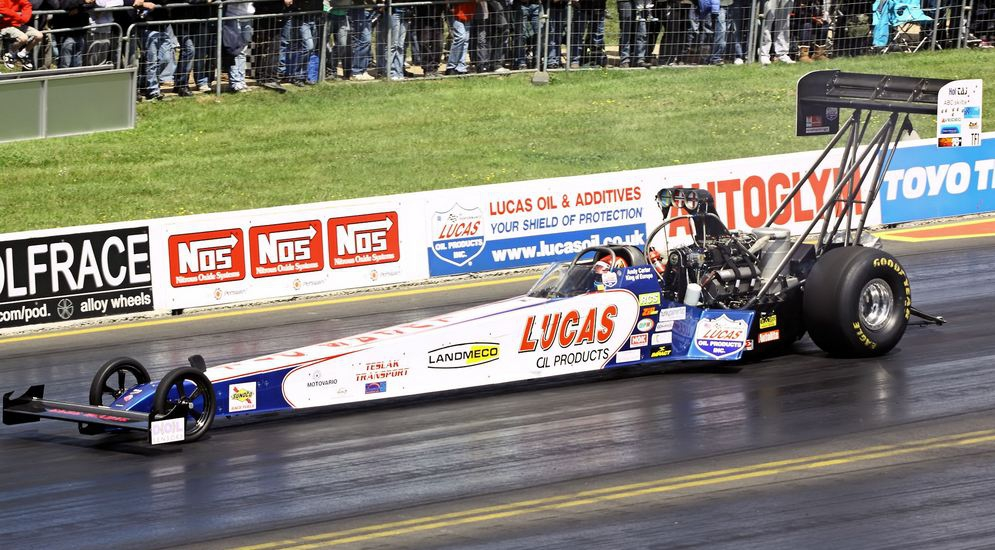 Top_Fuel_Dragster_-_Santa_Pod_2010_(4667510440).jpg