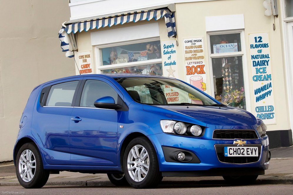 Chevrolet-Aveo_2011_1600x1200_wallpaper_1e.jpg