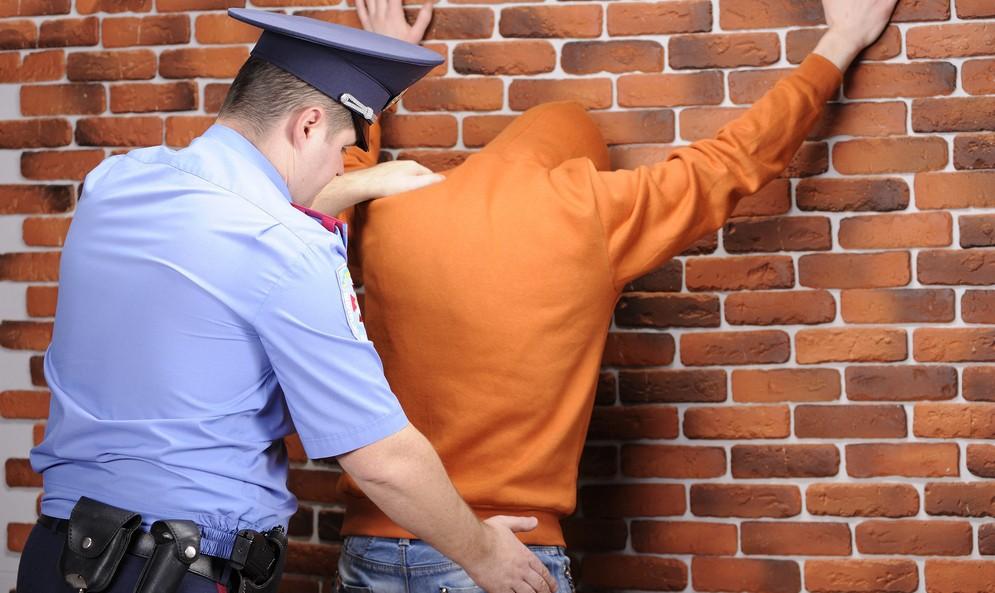 Право и юриспруденция: Depositphotos_8363372_original.jpg