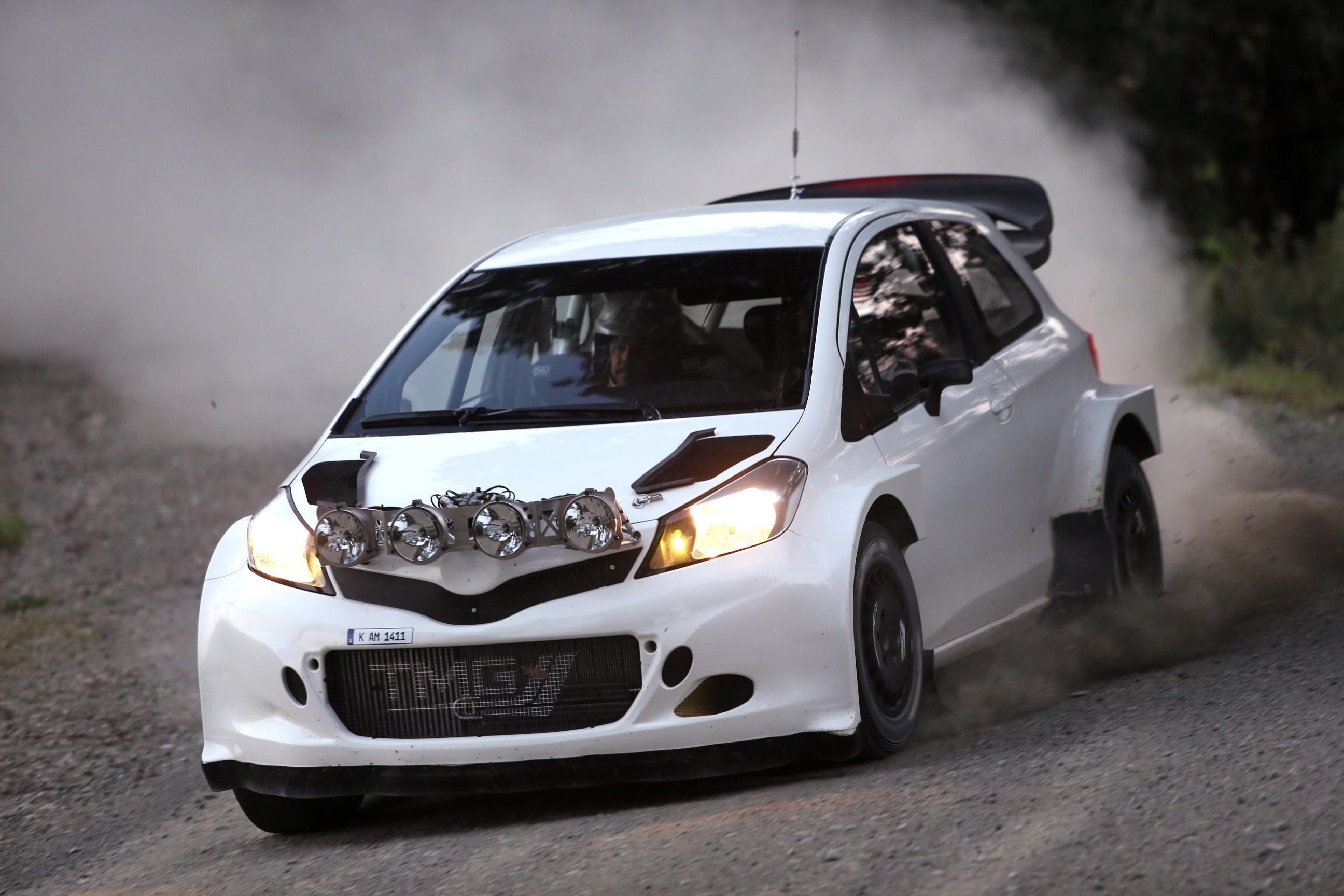 toyta_yaris_WRC_01.jpg