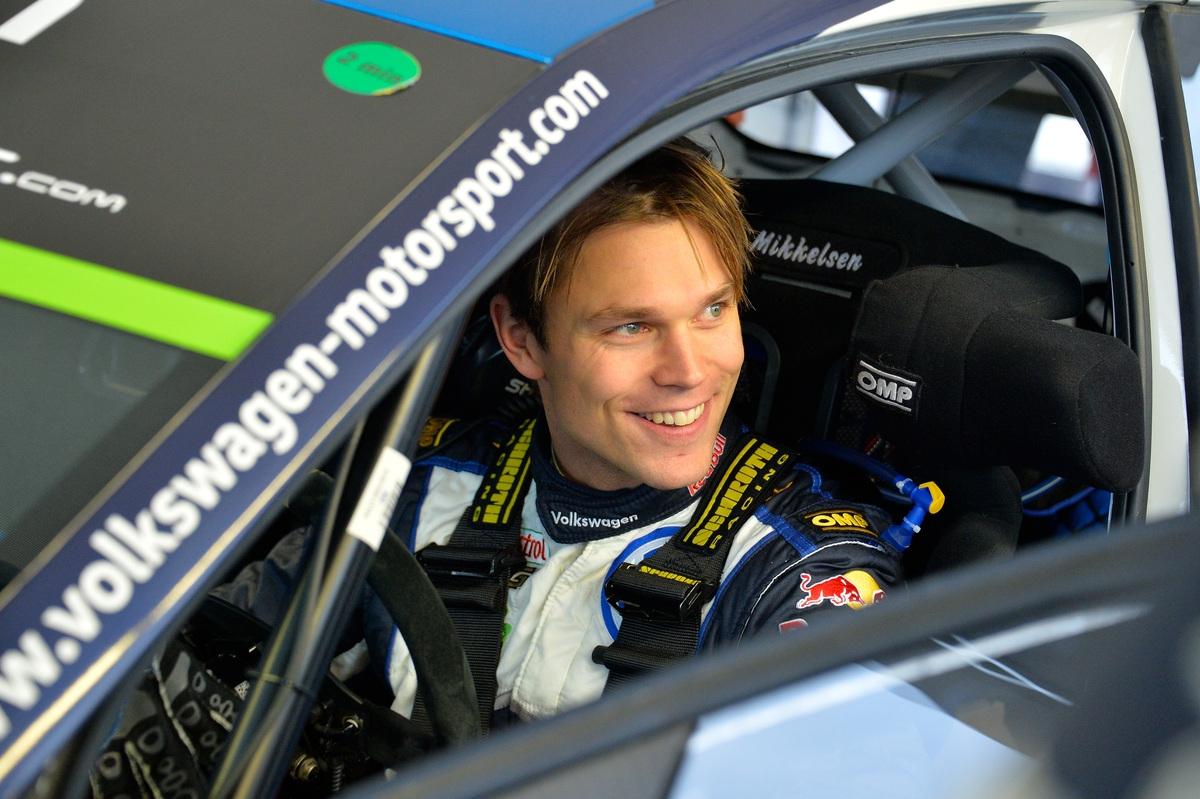 toyta_yaris_WRC_03.jpg