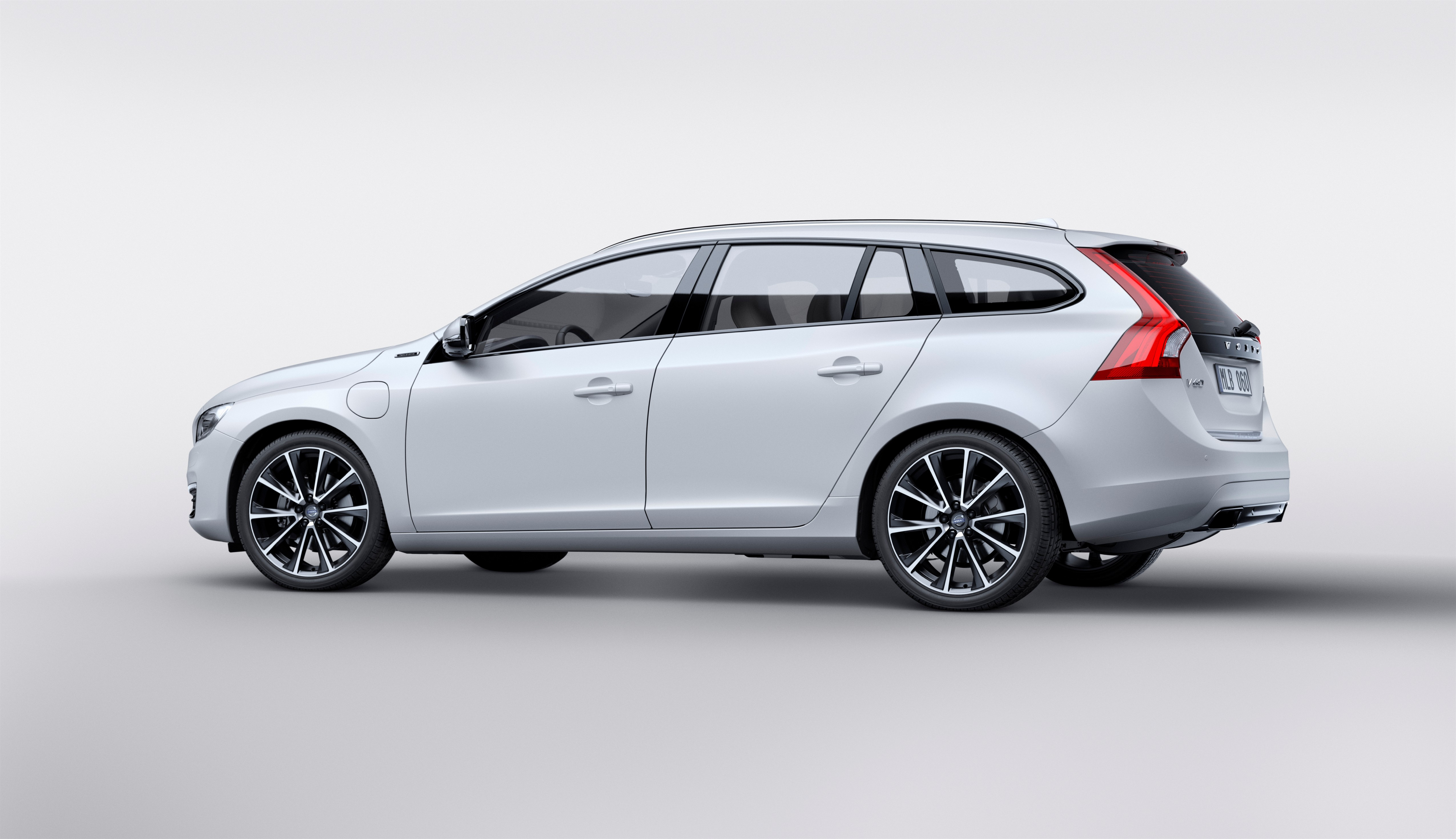 159457_Volvo_V60_Twin_Engine_Special_Edition.jpg