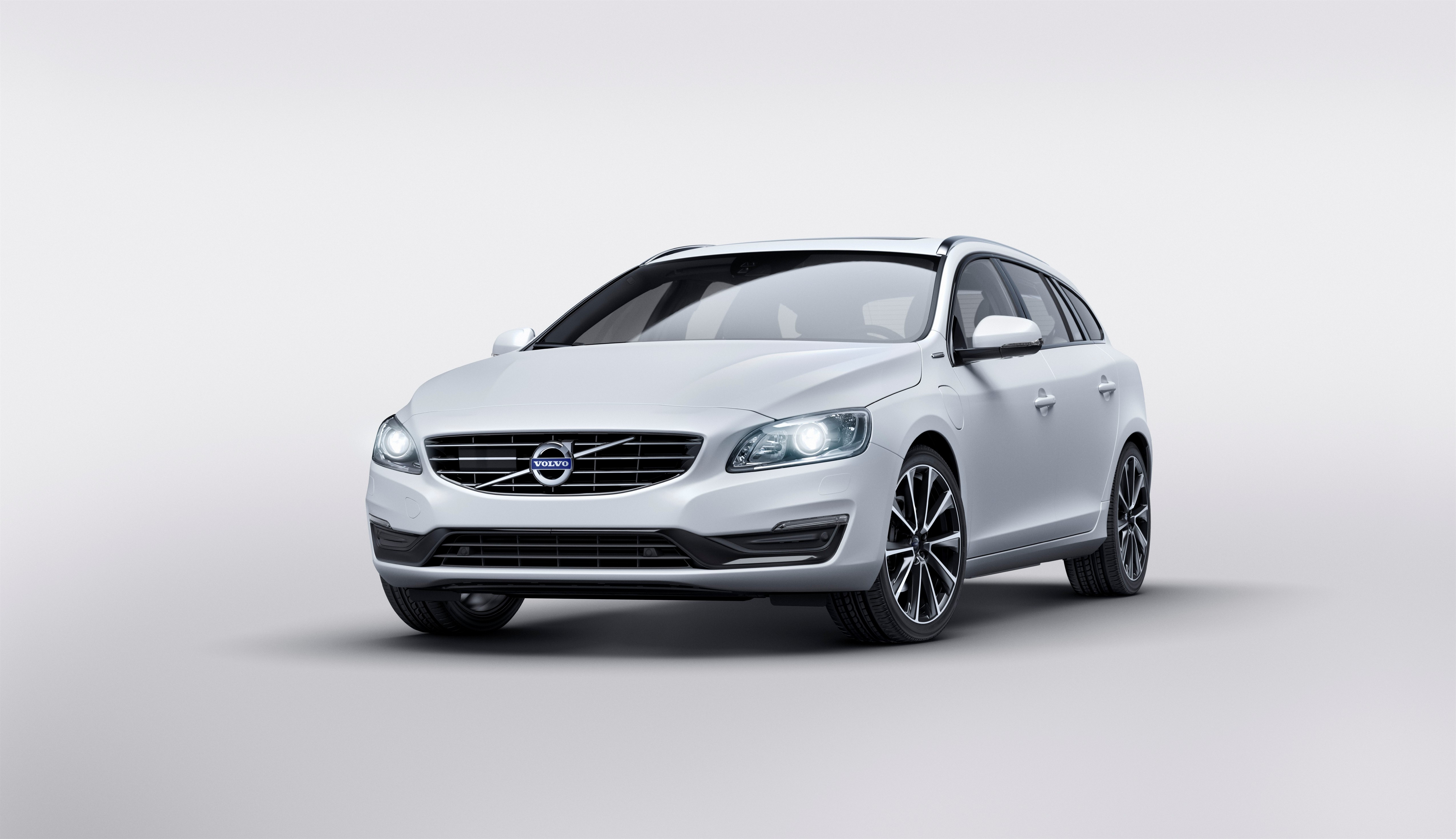 159237_Volvo_V60_Twin_Engine_Special_Edition.jpg